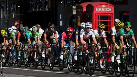 Tour of Britain rider in The Strand in 2016