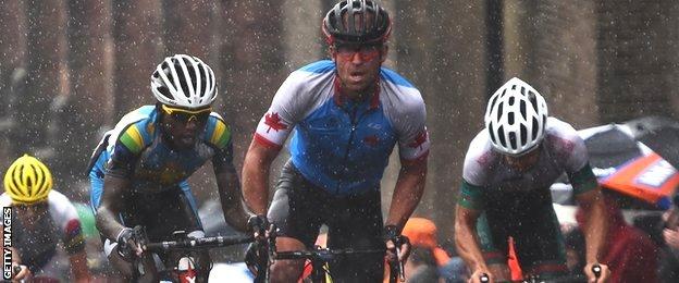 Men's road race Glasgow 2014 in the rain