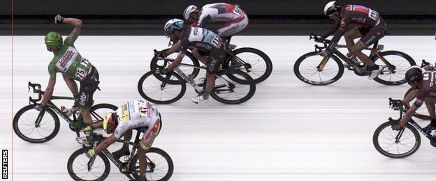 Andre Greipel held off a late surge from Peter Sagan