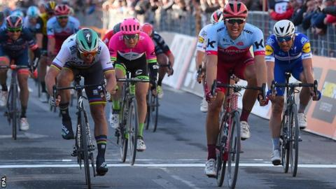 Peter Sagan (left) is edged out by Marcel Kittel (right) on stage six of Tirreno-Adriatico