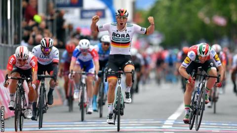 German Pascal Ackermann wins a high-speed bunch sprint