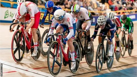 Laura Kenny in action in the women's omnium