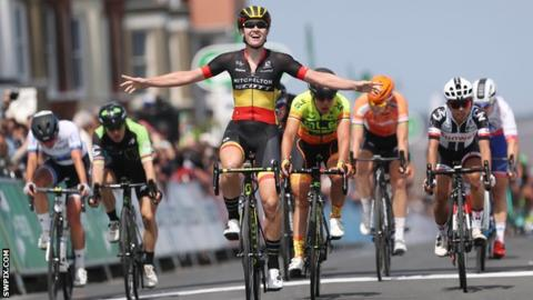 Jolien D'Hoore wins Women's Tour opening stage