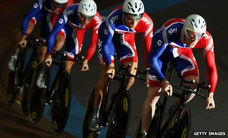Ed Clancy (right) leads the GB men's team pursuit squad in Apeldoorn