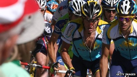 Lance Armstrong (centre) behind eventual stage and Tour winner Alberto Contador