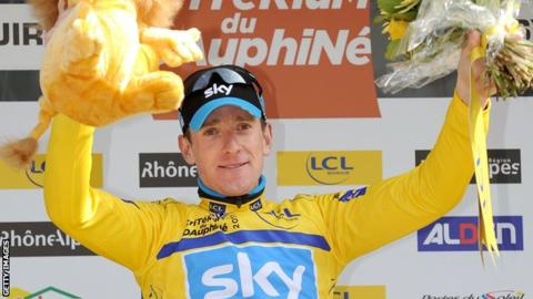 Bradley Wiggins celebrates winning the 2011 Dauphine