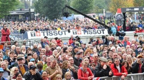 Crowds watch the finish of the mixed relay at Yorkshire 2019 Road World Championships on Sunday