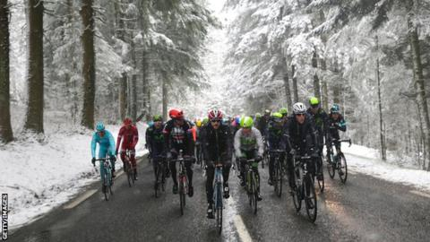Riders in the Paris-Nice