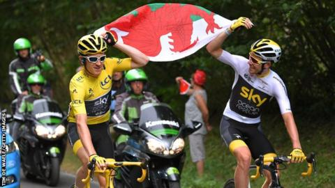 Geraint Thomas and Luke Rowe flying Wales flag