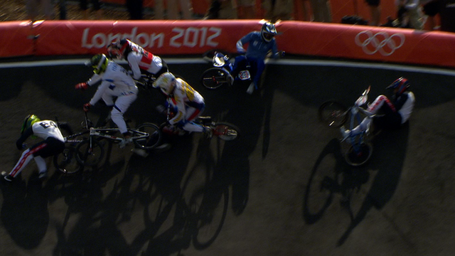 A massive crash in BMX quarter-final