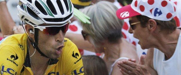 Vincenzo Nibali wins stage 13