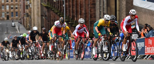 There was 4200 feet of climbing in the women's road race, which raced around the streets of Glasgow