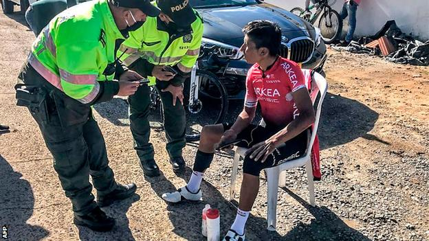 Nairo Quintana speaking to police