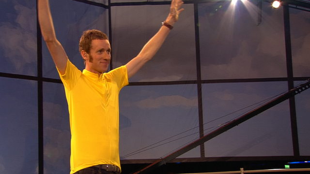 Bradley Wiggins starts the London 2012 Opening ceremony
