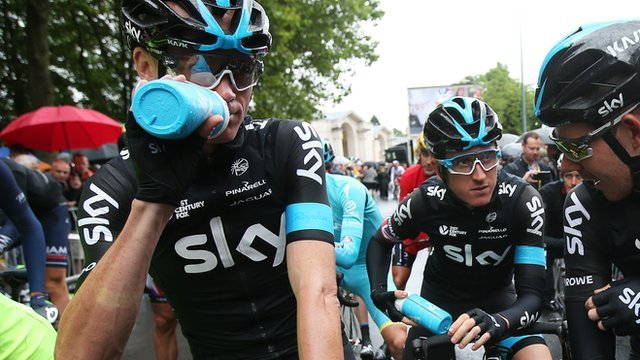 Team Sky's Chris Froome, Geraint Thomas and Luke Rowe